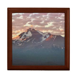 MOUNT SHASTA LARGE SQUARE GIFT BOX