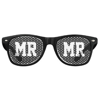 Mr and Mrs wedding party sunglasses for newlyweds