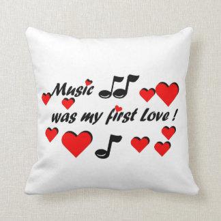Music which my roofridge Love Cushion