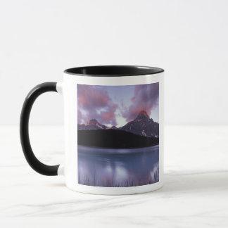 NA, Canada, Banff NP, Morning's first light on Mug