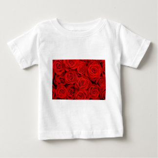 Natural red roses background baby T-Shirt