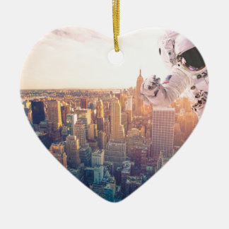 new york astronaut ceramic heart decoration