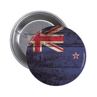 New Zealand Flag on Old Wood Grain 6 Cm Round Badge