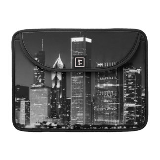 Night view of Chicago's famous cityscape Sleeve For MacBook Pro