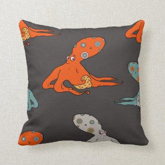 Octopus baby pillow (Black)
