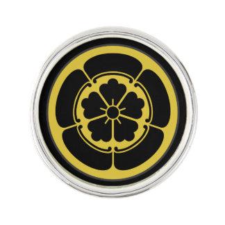 Oda Mon Japanese samurai clan yellow on black Lapel Pin