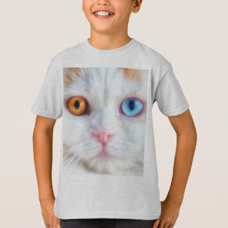 Odd-Eyed White Persian Cat T-Shirt