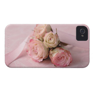 pale roses on pink iphone i.d. credit card iPhone 4 Case-Mate case