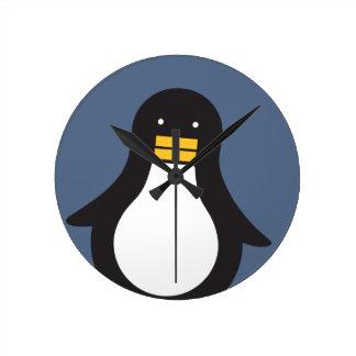 Penguin Round Clock