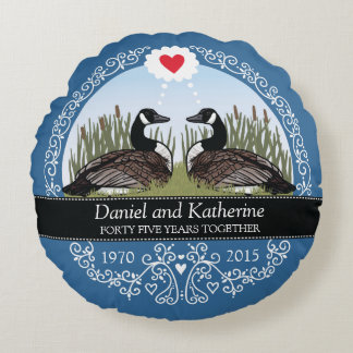 Personalized 45th Wedding Anniversary, Geese Round Cushion