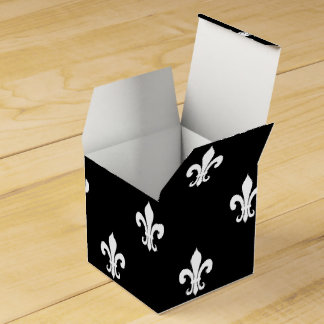 Personalized wedding favor box | fleur de lis party favour boxes