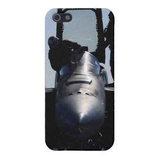 Pilots conducts a pre-flight inspection iPhone 5/5S case