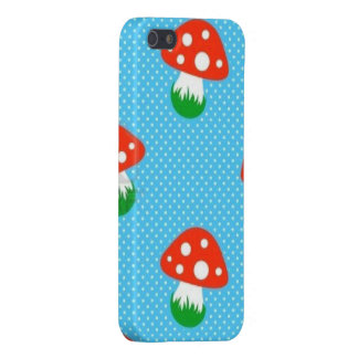 Polka dot Mushrooms iPhone 5/5S Cover