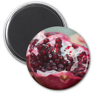 Pomegranate fruit macro photo seed red magnet
