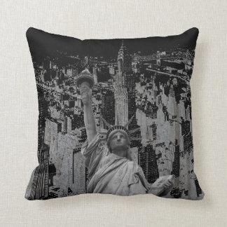 Pop Art New York City Manhattan Statue of Liberty Cushion