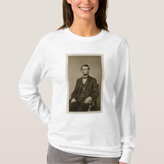 Portrait of Abraham Lincoln (1809-65) (b/w photo) T-Shirt