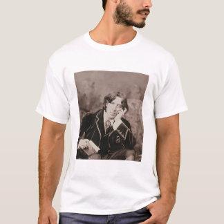 Portrait of Oscar Wilde (1854-1900), 1882 (b/w pho T-Shirt