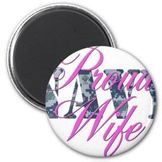 proud navy wife NWU 6 Cm Round Magnet