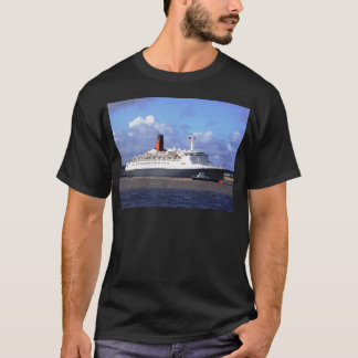 QE11 On the River Mersey, Liverpool UK T-Shirt