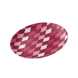 Red argyle pattern plate