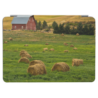 Red Barn, hay bales, Albion, Palouse Area 2 iPad Air Cover