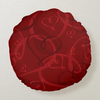 Red heart pattern round cushion