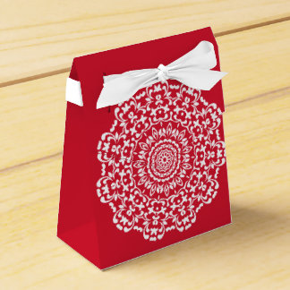 Red White Elegant Lace Pattern Personalised Favour Box