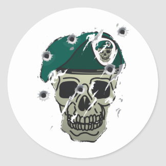 Retro skull and beret military motif round stickers