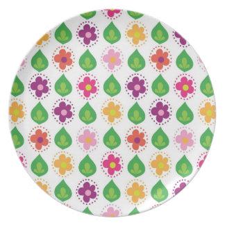 retro summer feeling pink plates