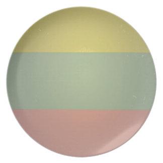 Retro Vintage Tri Color Pattern Party Plates