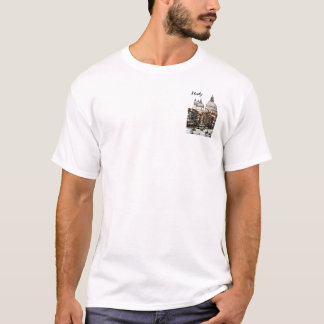 Romantic places in Venice, Italy T-Shirt