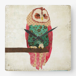 Rosa Vintage Owl Clock