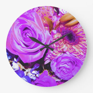 Round clock with a multi flower design