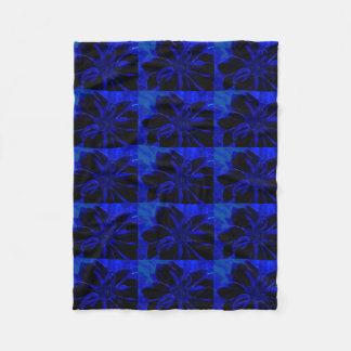 ROYAL BLUE FLOWER FLEECE BLANKET