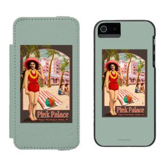 Royal Hawaiian Hotel in Hawaii Incipio Watson™ iPhone 5 Wallet Case