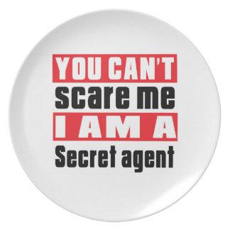 Secret agent scare designs dinner plates