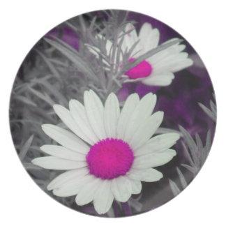Shasta Daisies (w/Pink) Plate