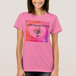 Shiny pink lady with creative juice! T-Shirt