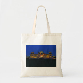 Shopping bag Berlin Reichstag in the evening