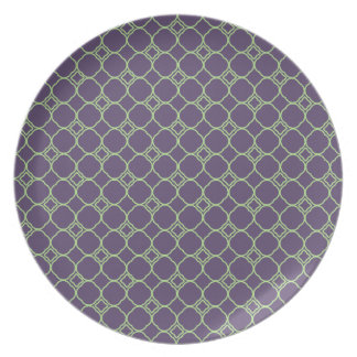 Simple Quatrefoil Pattern in Purple and Lime Green Plate