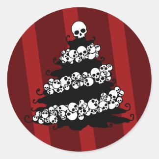 Skull Garland Christmas Tree Classic Round Sticker