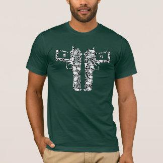skull guns 2 T-Shirt