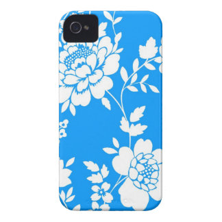 Sky Blue and white flower design iPhone 4 case