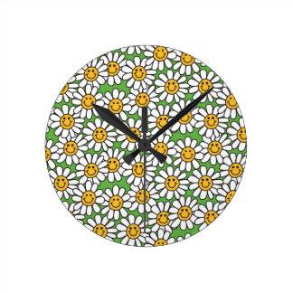Smiley Daisy Flowers Pattern Clock