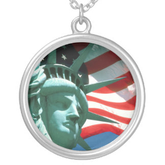 STATUE OF LIBERTY WITH AMERICAN FLAG SILVER PLATED NECKLACE