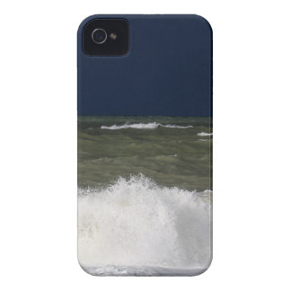Stormy sea with waves und a dark blue sky. iPhone 4 Case-Mate cases