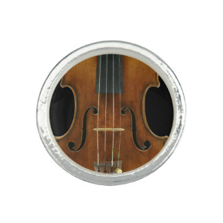 Stradivari Close-Up