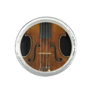 Stradivari Close-Up Ring