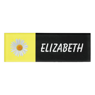 Sweet and simple daisy name tag