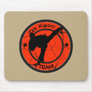 Tae Kwon DoSilhouette of Tae Kwon Do fighter. Mouse Pad